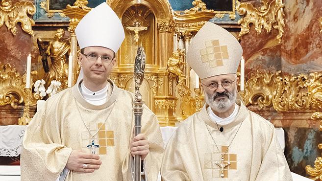 Új ciszterci apát benedikálása Zircen