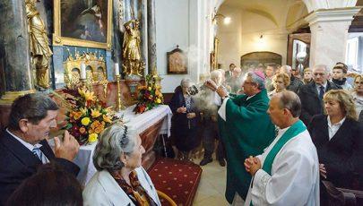 Megáldották a győri Szent Kamillus-templom mellékoltárait