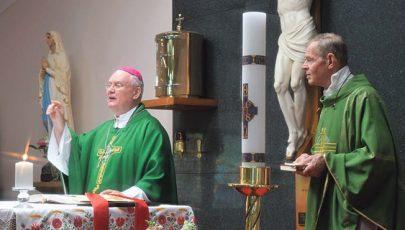 Cserháti Ferenc püspök ausztráliai lelkipásztori útja
