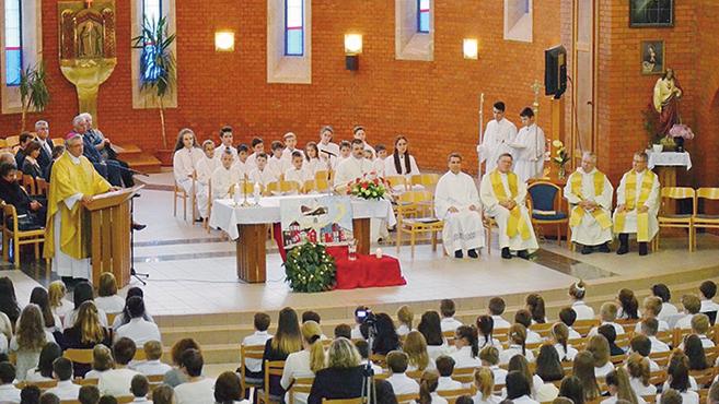Huszonöt éves a győri Apor Vilmos iskola