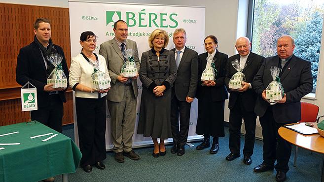 Több tízezer rászorulón segít a Béres
