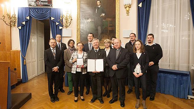 Pro Voluntarius díjat kapott a Katolikus Karitász orvosmissziója