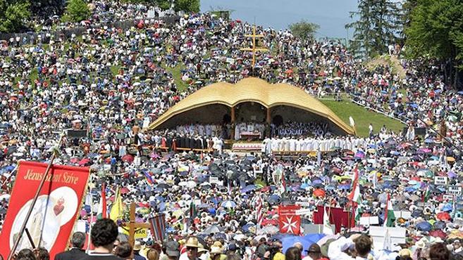 A Somlyón fog dobogni az Egyház szíve