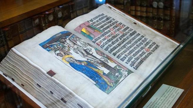 Eucharisztikus kiállítás a kalocsai érseki könyvtárban