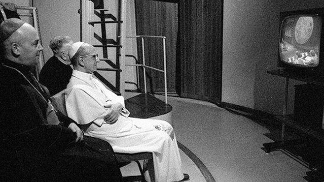 VI. Pál is nézte a holdra szállást