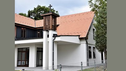 Átadták az ifjúsági vezetőképző központját Vácon