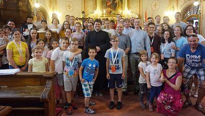 Fiatalok táborában a leendő váci püspök
