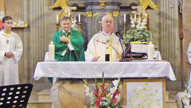 Fiatal katolikusok a Tiszafiten
