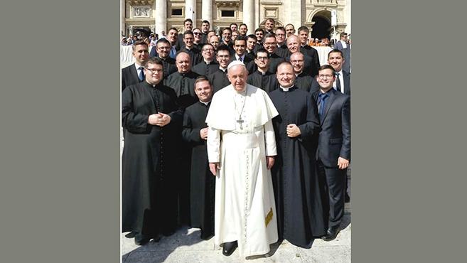 Mit üzent Ferenc pápa az esztergomi kispapoknak?