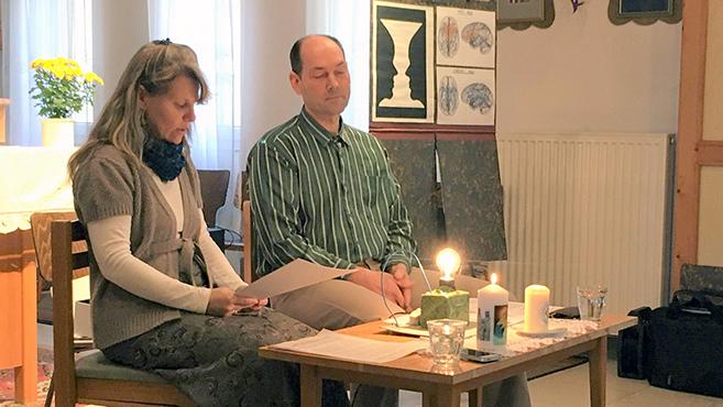 Akik együtt imádkoznak, azok együtt is maradnak